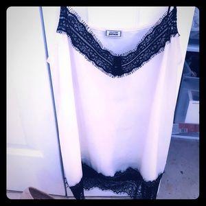 ❤️ 2 tops  Zara pinkie never worn like new 🖤